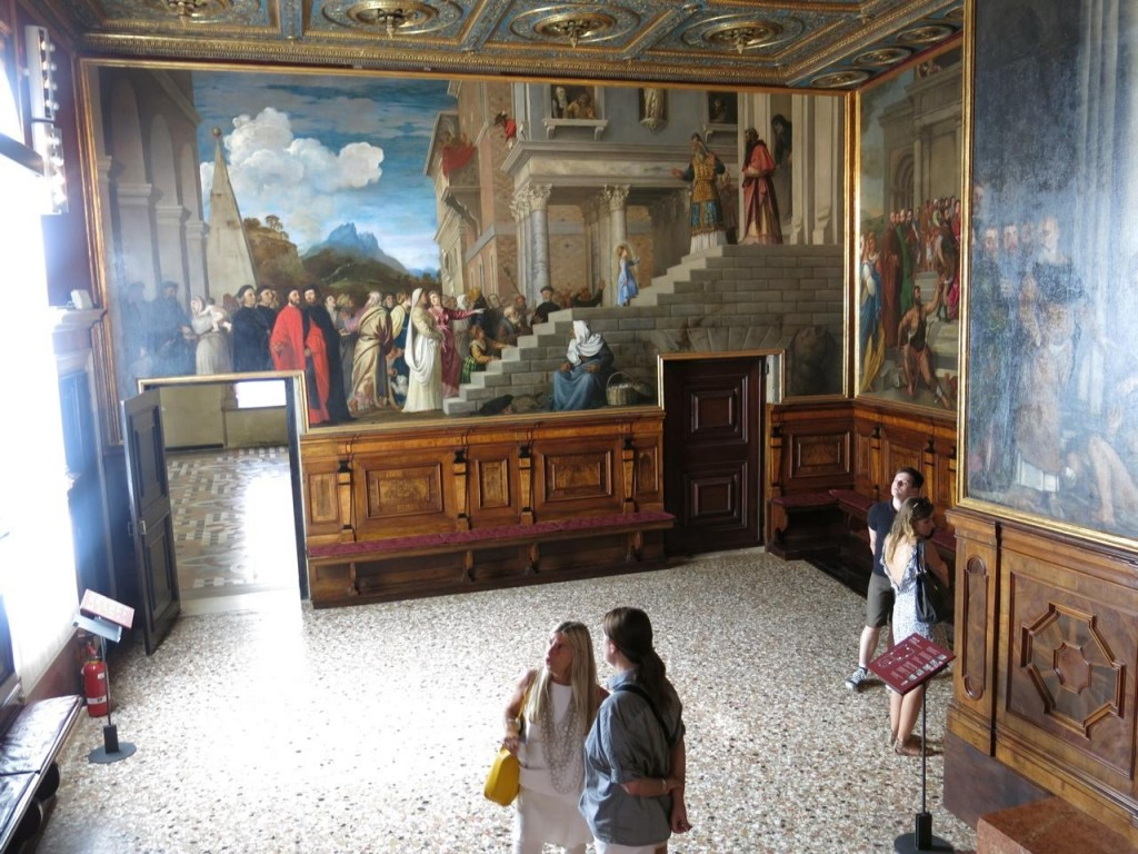 Guided tours in the Accademia Gallery