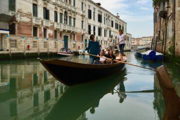 Venice, Walk & Row